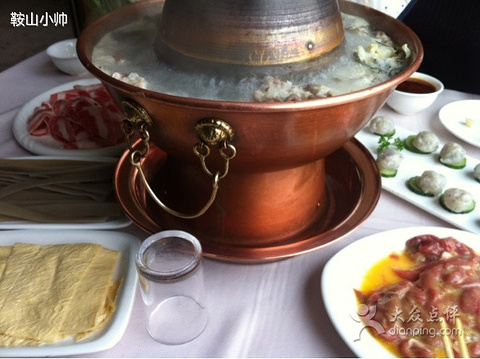 印度特色火锅手绘图片