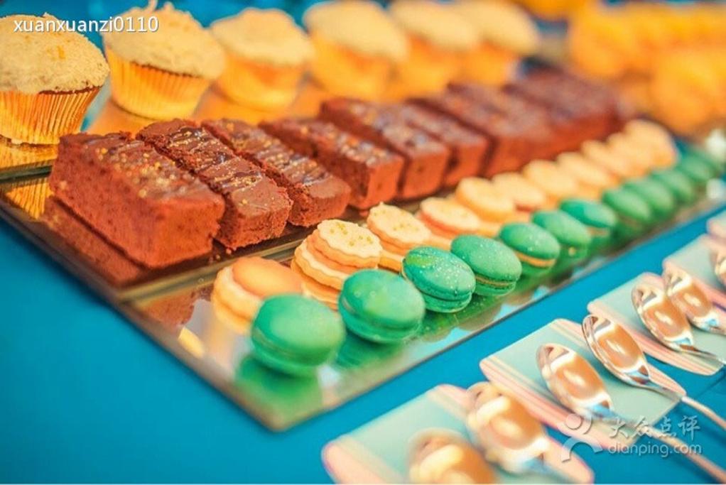 婚礼甜品台 巧克力纸杯蛋糕 巧克力蛋糕 奶油水果蛋糕 万圣节马卡龙