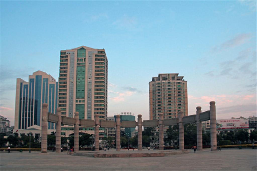 半圓廣場景觀設計