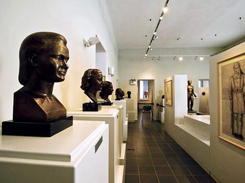 帕罗斯雕塑博物馆奢华时尚室内设计图片