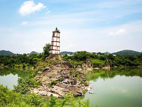崇左斜塔旅游景点图片