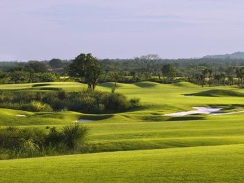 云南红河州湖泉高尔夫俱乐部旅游景点图片