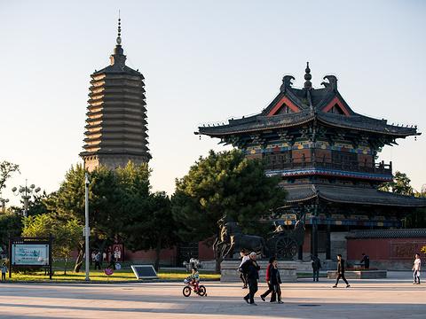 辽阳白塔旅游景点图片