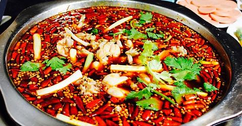 美蛙魚頭圖片_美蛙魚頭火鍋料炒制作_美蛙魚頭火鍋的做法