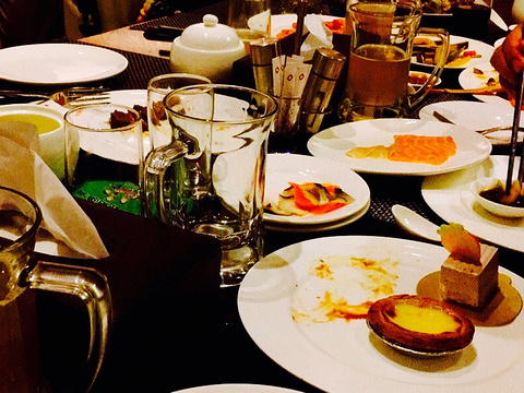 伟达雷迪森广场酒店沁咖啡自助餐图片