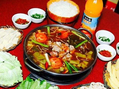 滇雄酸菜猪脚火锅