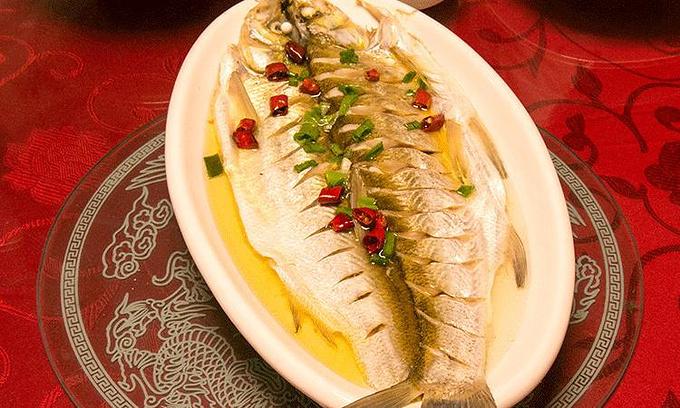太白鱼,太湖三白之一,太湖特色美食,来到这里必尝的哦,价格还好,不是图片