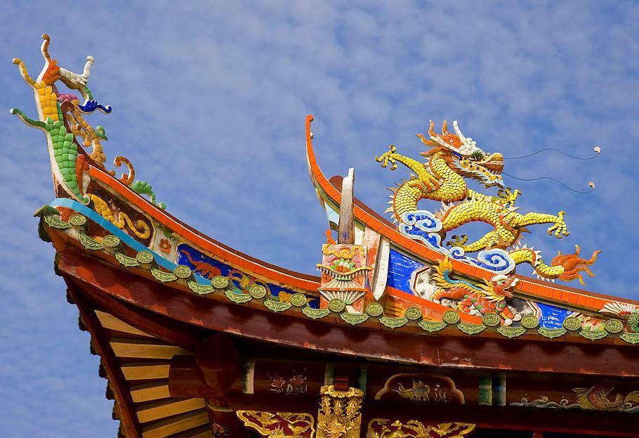 此座庙宇历史逾百载,内奉天后娘娘,庙虽不大,但每日前往进香的… 位于