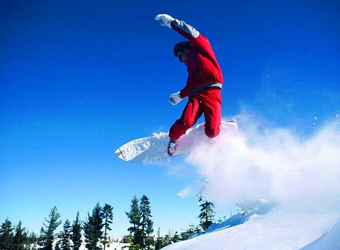 月亮湾滑雪场
