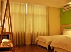 http://hotel.qunar.com/city/zhangjiajie/dt-3372/#from=zdj-hnt