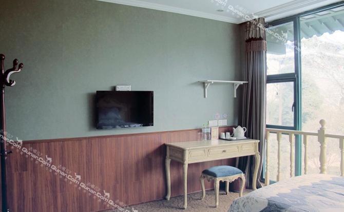 旅舍整体装修风格为欧式复古文艺风