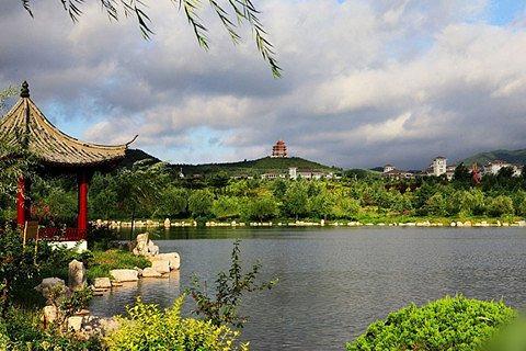 青岛出发,烟台,青岛,威海威海华夏城旅游风景区,华严寺4天3晚跟团游