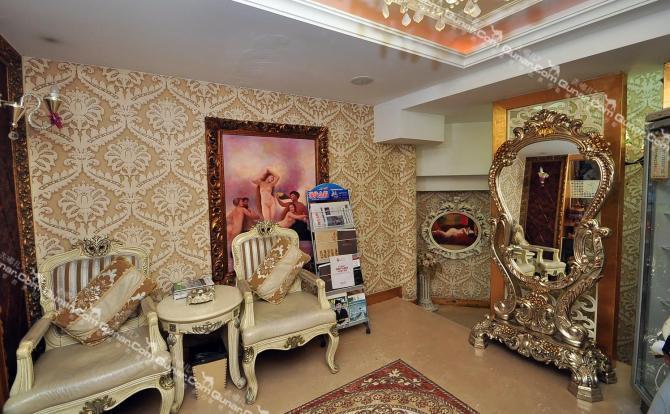 酒店是以欧式风格装修的,每个房间格局都不一样,所有房间装有中央空调