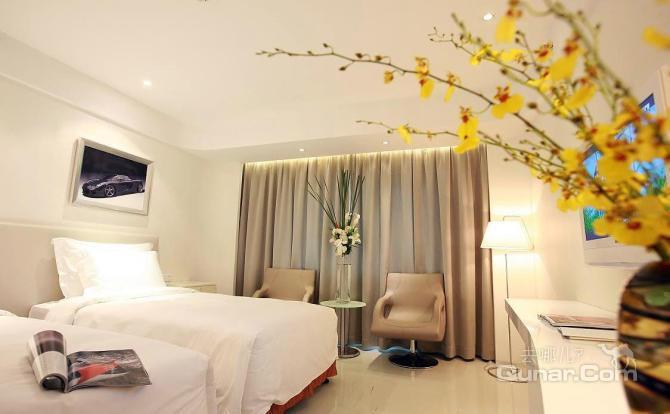 理念并提供德国原装豪华房车的房车酒店;以演绎低碳新篇章的咖酷旅馆.