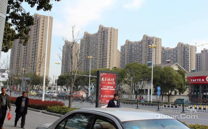 苏州8天旅店位于苏州市吴中区木渎镇南浜竹园新村7号二楼,地处1号线木
