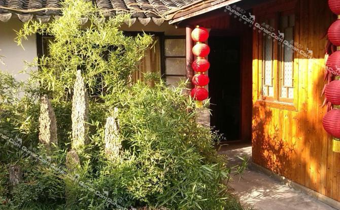 【塘东街】嘉兴嘉善西塘庭院木屋主题客栈