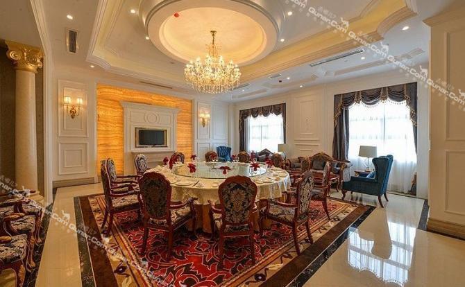 客房采用经典的欧式风格