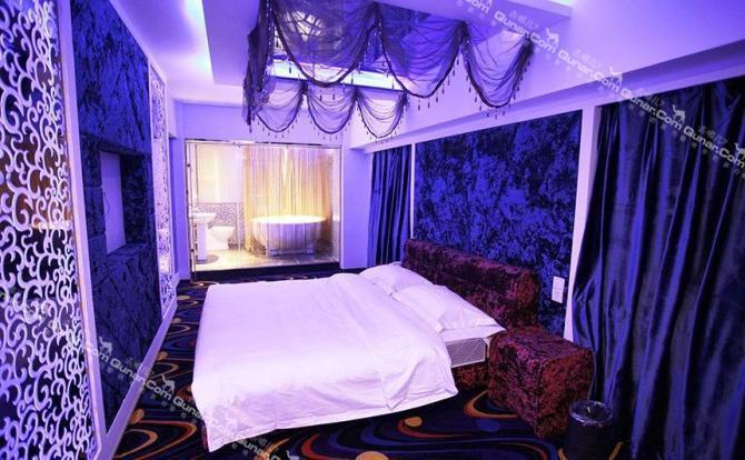粉蓝色系卧室风格