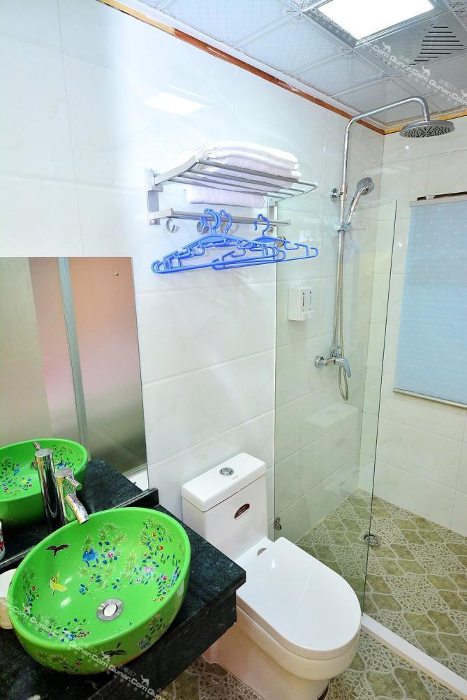 厕所 家居 设计 卫生间 卫生间装修 装修 669_1002 竖版 竖屏
