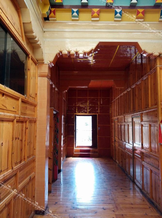 客厅及厨房装修具有藏族特色