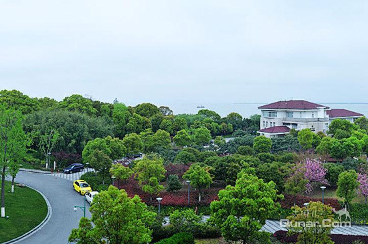 【太湖风景区】苏州东山宾馆湖畔别墅套间(一室套)