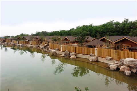 北京静之湖联排别墅或情侣木屋别墅或汤泉别墅住宿1晚