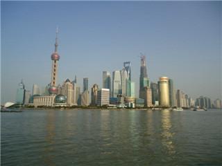 狭义的南京路即1945年以前的南京路,专指今天的南京东路.广义的图片