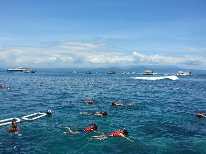 巴厘岛游艇游蓝梦岛|海底漫步 浮潜 香蕉船 水上滑梯