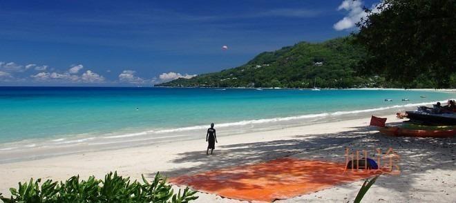 珊瑚酒店在塞舌尔最大的马埃岛上,位于 马埃岛最大的 沙滩- 布法隆沙