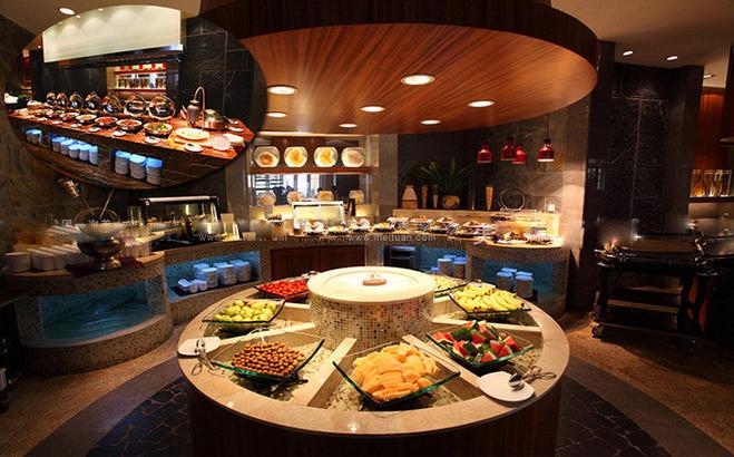 含酒店西餐厅豪华中西自助早餐 菜式品类丰富&nbsp