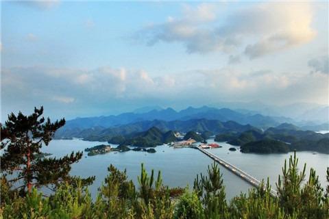 超值纯玩团——黄山-千岛湖-杭州船游西湖-飞来峰双卧