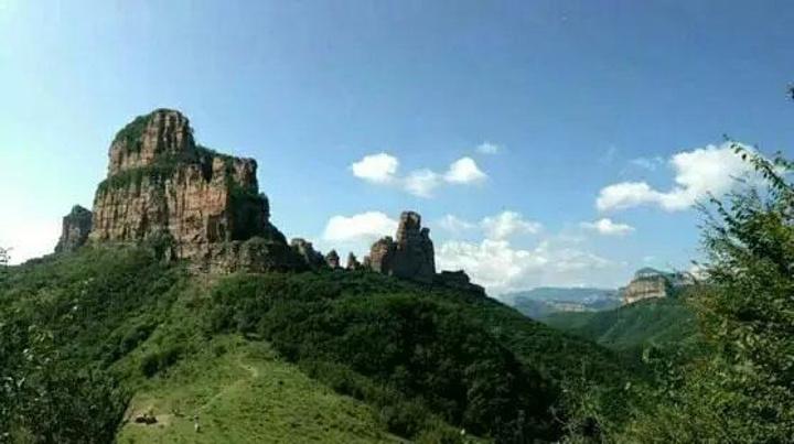 """""""尤其是九女峰景色特别好。景色天然很美,人比较少不会拥挤。老板人也很好_嶂石岩""""的评论图片"""