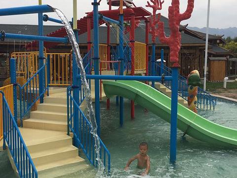 华山御温泉动感水上乐园旅游景点图片