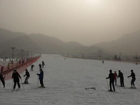 狂飙乐园滑雪场旅游景点图片