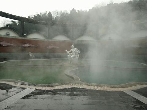 四川成都花水湾巴登巴登温泉会所温泉旅游景点图片