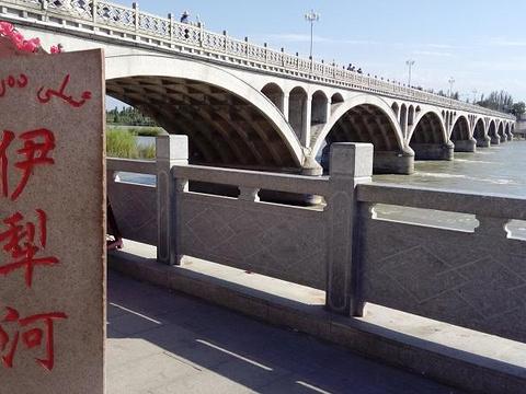 伊犁河旅游风景区旅游景点图片