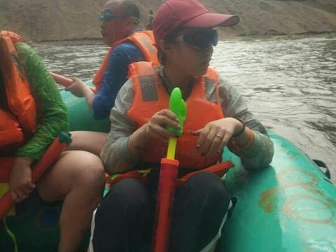 红河谷漂流旅游景点图片
