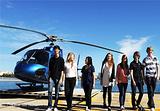 喷气艇海上游览和直升机鸟瞰