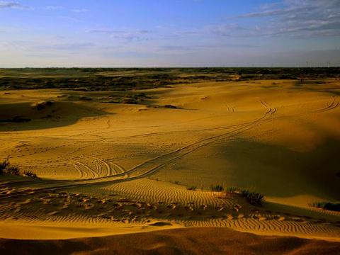 塔敏查干沙漠旅游景点图片