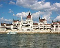 在壮丽的伤痕老城下流浪——布达佩斯