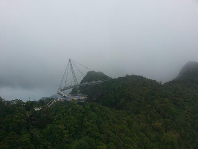 """""""不过上面的景色确实很漂亮,而且整个桥的设计都很特别,不枉此行!听说天空之桥是常年维修的_天空之桥""""的评论图片"""