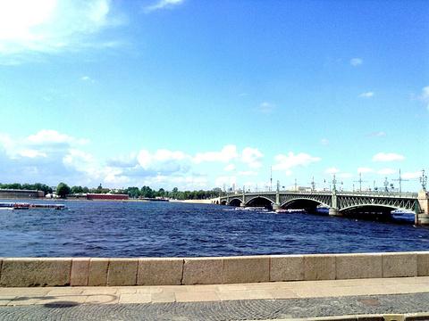 圣三一大桥旅游景点图片