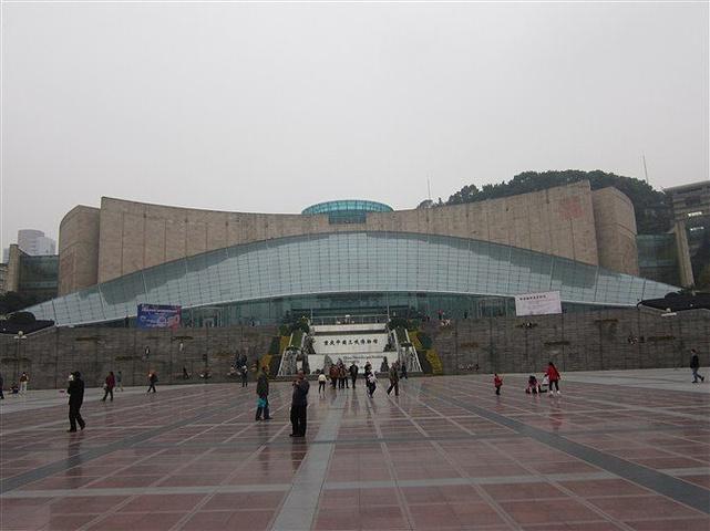 """""""中国三峡博物馆是不需要门票的,就在重庆人民大礼堂的对面,我们去的时候运气不好,正好那天是星期一..._三峡博物馆""""的评论图片"""