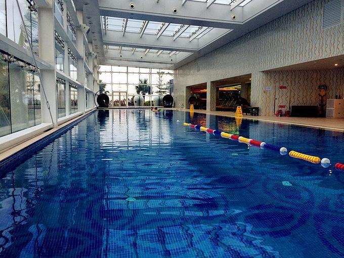 室内泳池图片