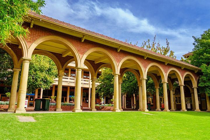 """""""里面的建筑算是比较有古典特色的,但面积并不大_阿德莱德大学""""的评论图片"""