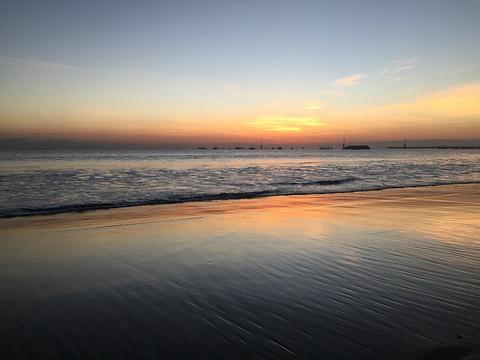 金巴兰海滩烛光bbq