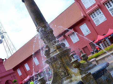 维多利亚女皇喷泉旅游景点图片