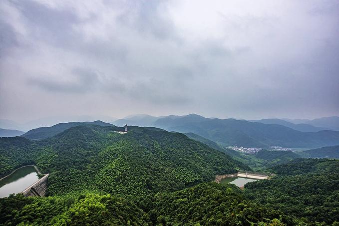 会稽山龙华寺图片