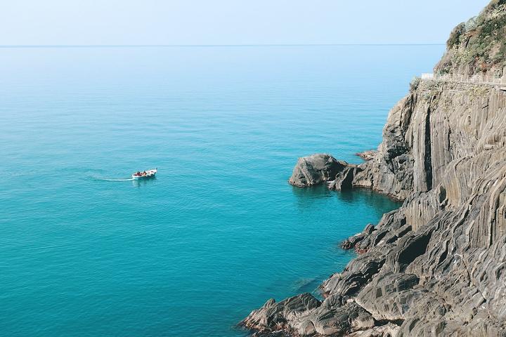 """""""下站后穿过地下通道到上的村落里,村落不大也没有很好看,主要的去处就是悬崖观景台,可以看见壮美的地中海_里奥马焦雷""""的评论图片"""