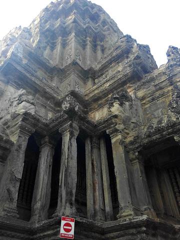 """""""如果你特别想看柬埔寨的日出,可以早上4点多就到吴哥窟,它的营业时间是5:00-17:00. 而..._吴哥窟""""的评论图片"""